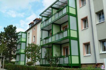 Fertigstellung von neuen Balkonen